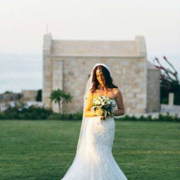 Chapel wedding in Crete