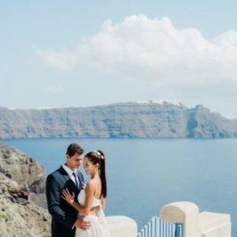 Santorini Weddings: Magical and breathtaking