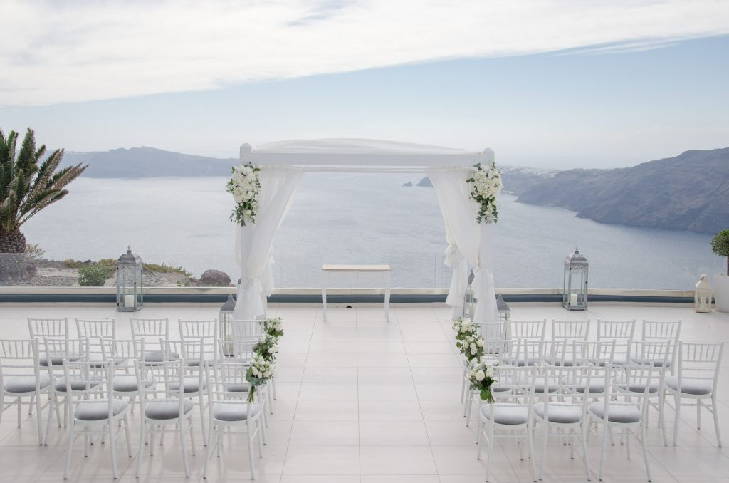 Destination wedding planning tips joanna loukaki for Plan a destination wedding